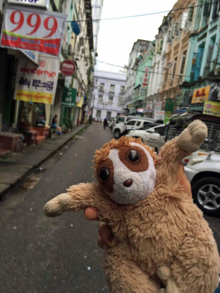 Cepat in Yangon, Myanmar