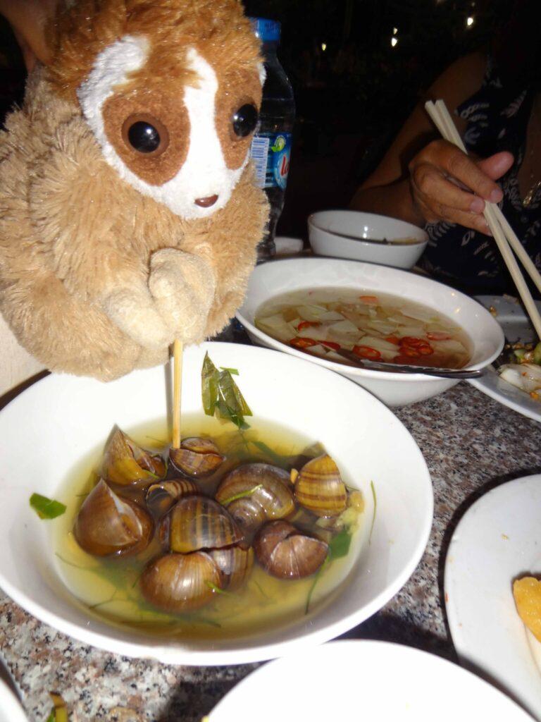 Cepat eating snails